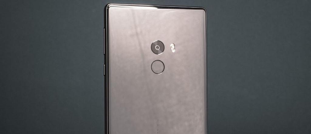 Smartphone chuyên game Xiaomi Blackshark lộ thông số với Snapdragon 845, RAM 8GB ảnh 1
