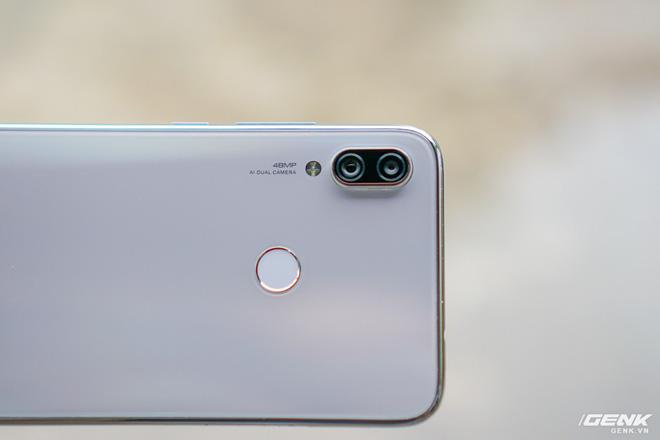 Trên tay Xiaomi Redmi Note 7 màu Trắng Ánh Trăng: viền mạ copy thiết kế iPhone, giá 4,99 triệu đồng - Ảnh 15.